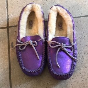 AUTHENTIC BARELY WORN UGG SLIPPERS S7
